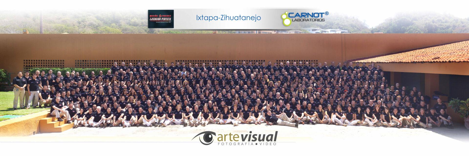 Fotografía de grupo en Brisas  Ixtapa