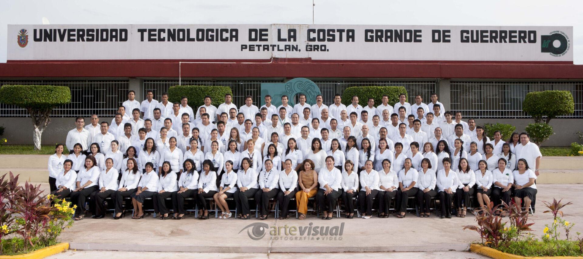 Fotografía grupo de la Universidad Tecnológica de la Costa Grande de Guerrero