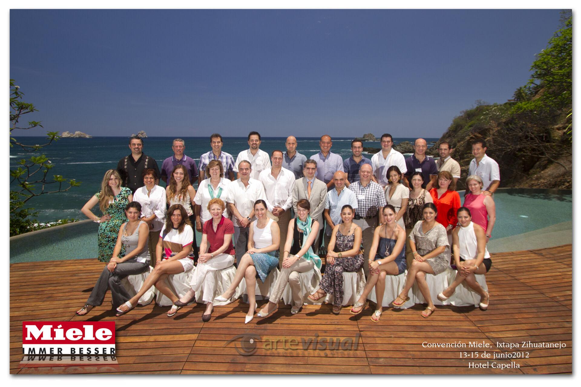 Fotografía de grupo en Cala de Mar